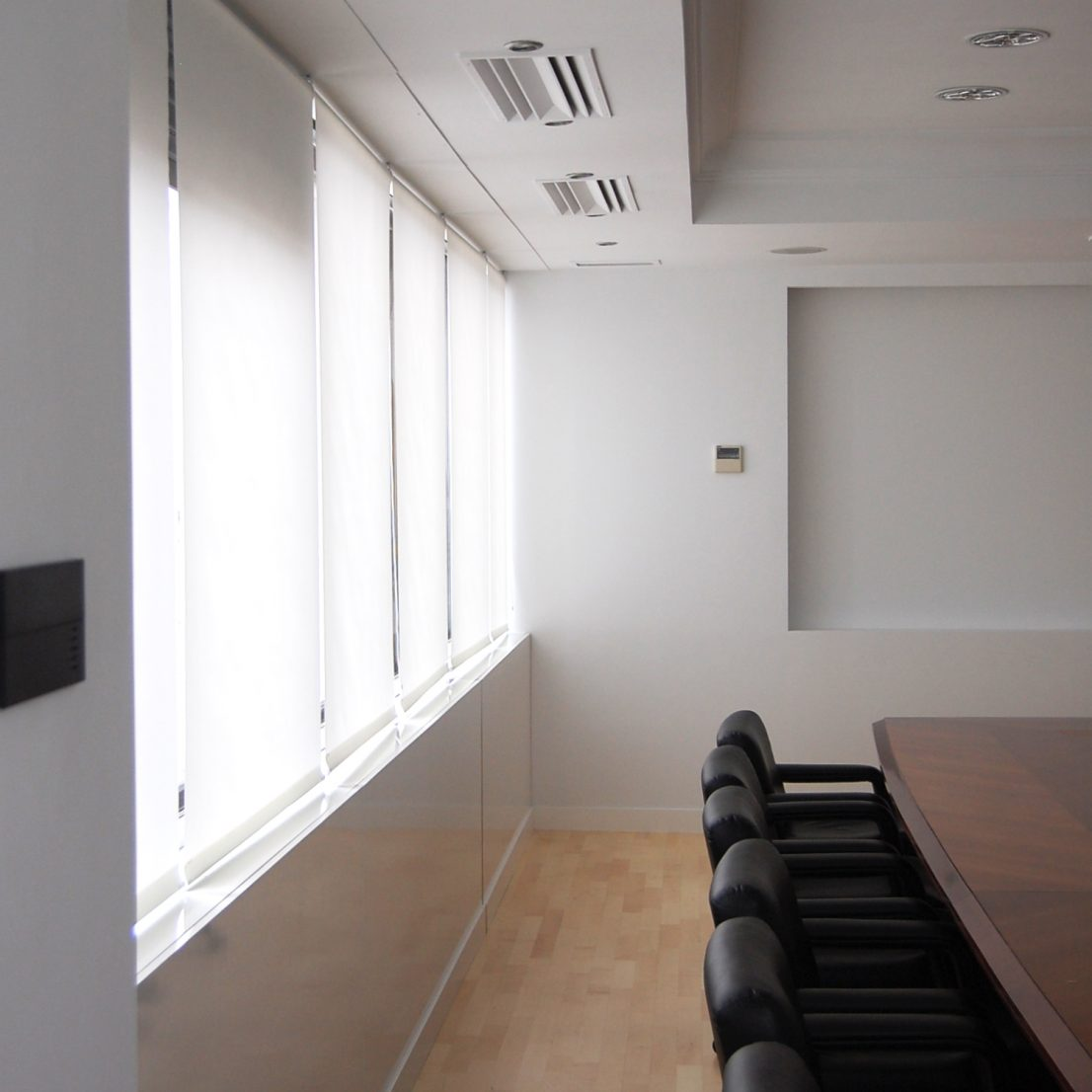 Diseno proyecto interiorismo reforma Sala de Juntas oficinas Havas Media