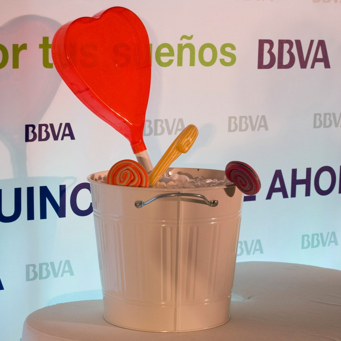 Escenografia atrezzo evento presentacion Quincena Ahorro BBVA Agatha Ruiz de la Prada