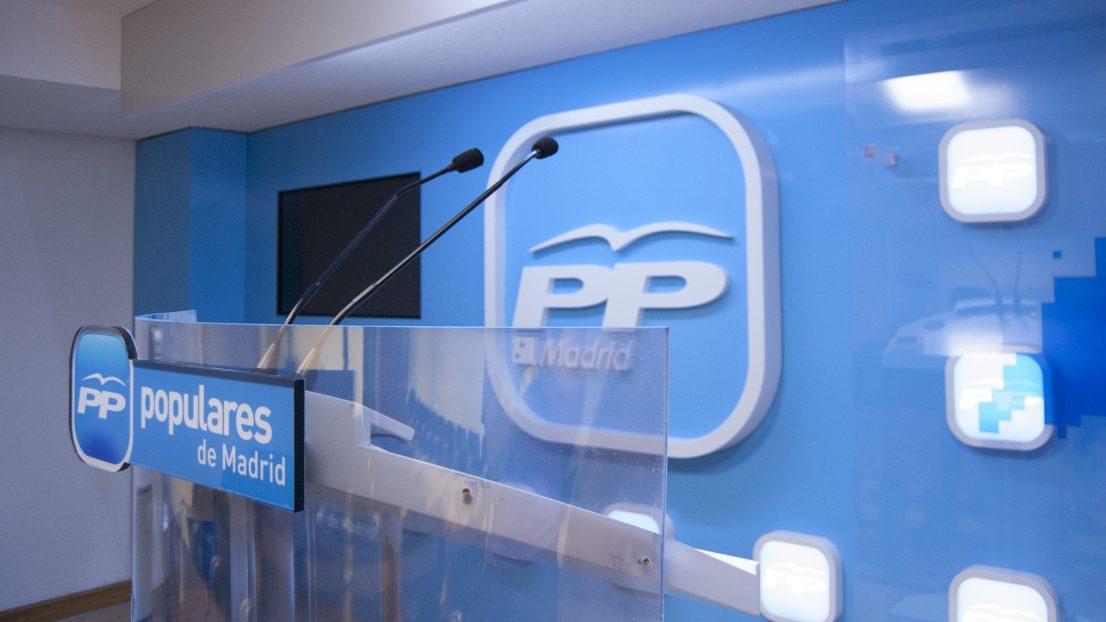 Proyecto interiorismo diseno sala de prensa Partido Popular de Madrid