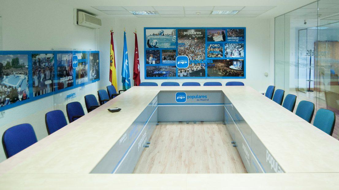 Proyecto interiorismo diseno sala de reuniones Partido Popular de Madrid